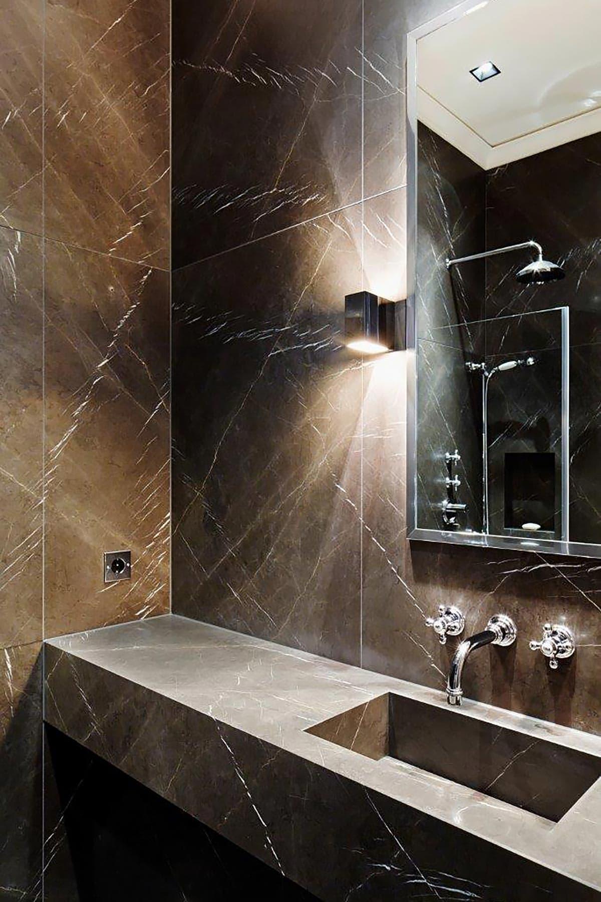 Badezimmer Haus Bahren aus edlem Pietra Grigia