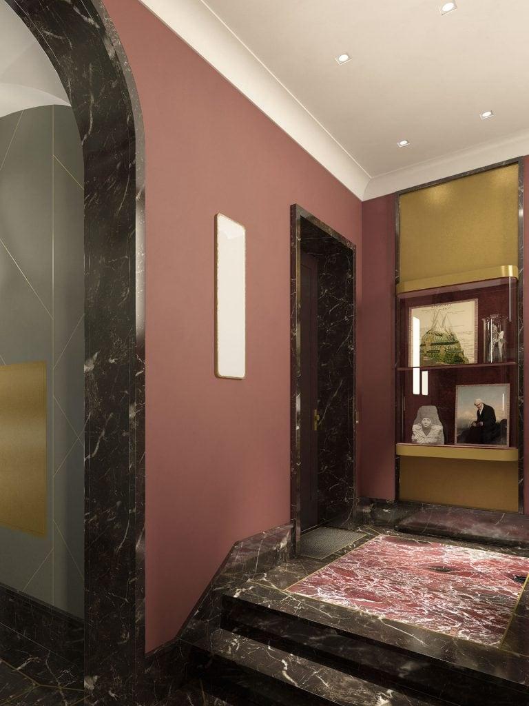 Alexander Berlin Foyer vor dem Fahrstuhl und Vitrine