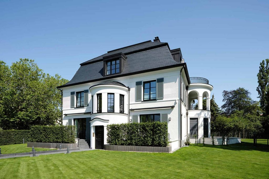 Characteristic urban villa in Berlin-Westend